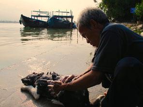 zwei Stunden Bootsfahrt zurüch Hoi An