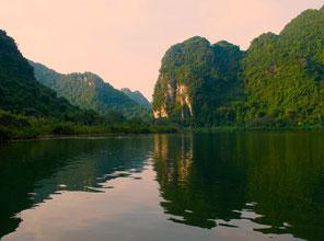 die Felsen-Landschaft ruhig und schön
