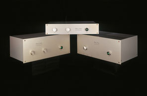 True value components: the Classic Series F-10B (top), F-30B (left) and the ultra-dynamic F-50B mono power amp.