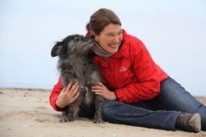 Hundetrainerin Jeanette Przygoda mit ihrem Hund Willi