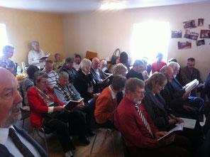 Община в новом молитвенном доме в г.Светлом