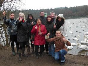 Einige Aktivisten des Schwanenschutz Komitee e.V.