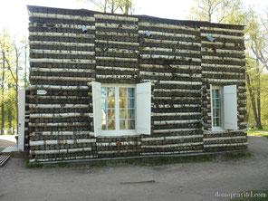 Березовый домик в Гатчине