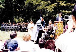 ▲1999年大学院バークレイ校行政学修士修了式