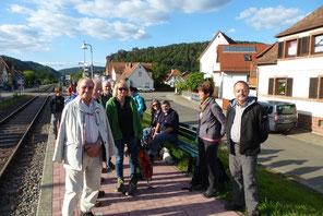 Dahn-Süd Wir warten auf den Felsenland-Expreß