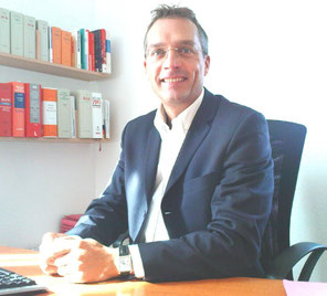 Rechtsanwalt Degelmann - Fachanwalt für Arbeitsrecht - Kanzlei für Arbeitsrecht in Würzburg