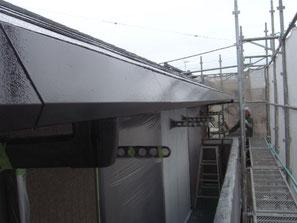 破風板、軒雨樋 塗装中