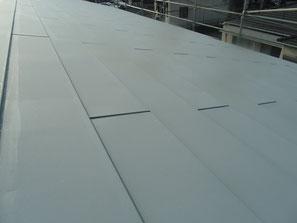 屋根(トタン) 塗装中