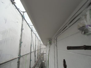 外壁 塗装中