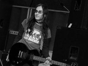 Группа Добрый Шубинъ - Михаил Крюков, гитара