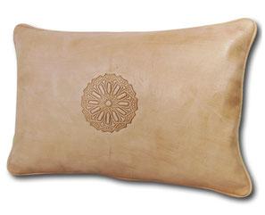 Mina Design Lederkissen Leder Kissen weiß creme Sitzkissen Zierkissen Sofakissen leather cussion pillow coussin en cuir