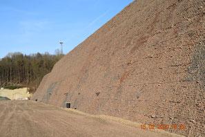 Gesicherter Steilhang Bereich Tunnel Spitzenberg