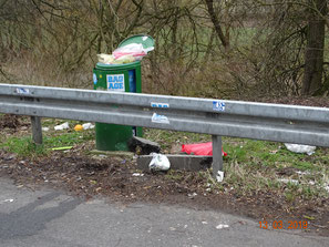 Müllverrohung allerorten