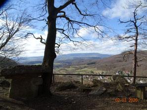 Blick vom Wolfstisch Hessische Schweiz zum Hohen Meißner