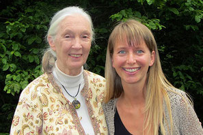 Nina Messinger mit Dr. Jane Goodall(links)