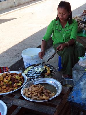 Leckereien auf dem Markt in Domosa