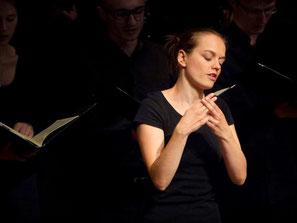 Julia Schulenburg gebärdet Chormusik für Hörgeschädigte. Die erste Walpurgisnacht (F. Mendelssohn Bartholdy)