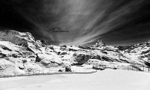 Bild: Blick aufs Matterhorn bei Nacht vom Gornegrat