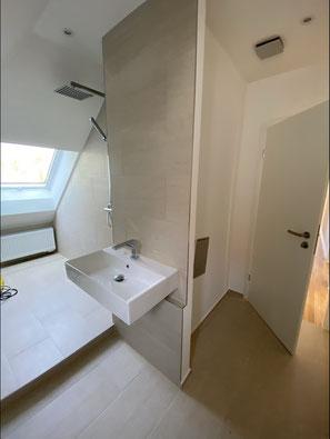 Badezimmer nach Kernsanierung in ehemaliger Küche