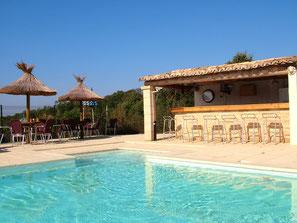 Gîte et piscine à Nîmes