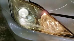 レクサスISのライト点灯時のひび・クラック