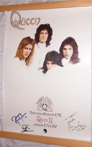 QUEEN II - ristampa del poster in edizione limitata FanClub Inglese ufficiale con autografi stampati