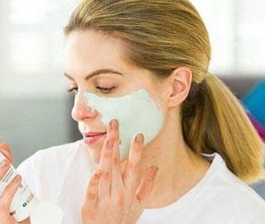 Gesichtsmaske (Lehm Maske) für die wöchentliche Tiefenreinigung, auch gegen Akne und Pickel