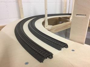 Bild 5: Gleise verlegen und anschliessen