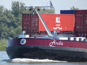Containerschip Anda