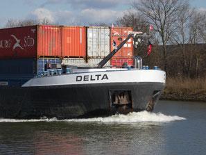 Containerschip Delta