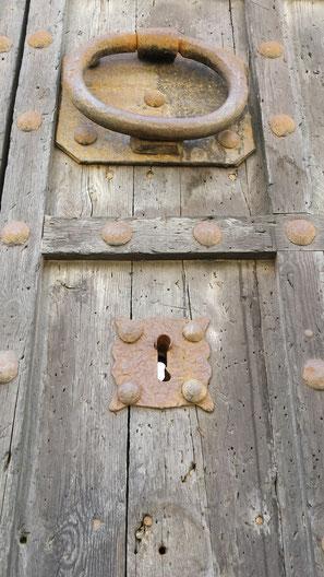 aldaba-clavazón-castillo