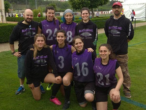 Equipo flag football femenino Santiago Black Ravens Spanish huddle
