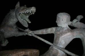 statue de la bete du gevaudan a auvers