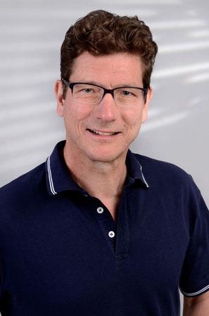 Dr. Michael Stera, Zahnarzt in Schwalmtal, Keramikzähne, Implantate, Parodontologie, Zahnerhaltung, Prophylaxe