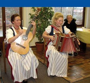 Unterhaltung im Haus am Steinbach in Nußdorf am Inn
