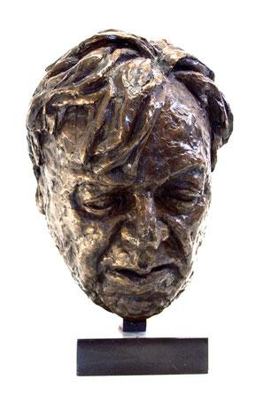 Erich Fried - Eine Büste aus Bronze zeigt das Gesicht des Schriftstellers Erich Fried.