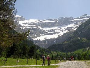 camping cap pyérénées dans les hautes-pyrénées aux portes du parc national des pyrénées, visite Gavarnie