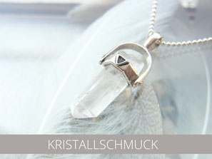 Kettenanhänger mit Kristallspitzen