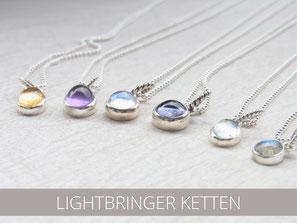 Kurze Silberketten mit transparenten Edelstein Anhängern