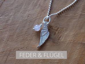 Kette mit Engelsflügel und Rosenquarz Perle