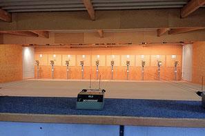 10 pas de tir à 10 mètres, pour le pistolet et la carabine