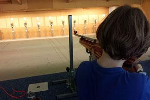 La pratique du tir est possible dés 8 ans accompagné d'un majeur