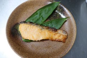 福井県にある鮮魚店真洋水産 サーモン焼き