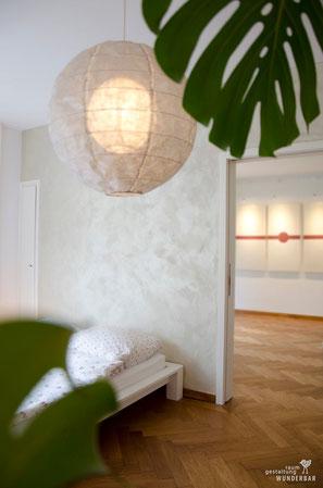 Wandgestaltung Schlafzimmer - Champagnerfarben mit glitzernden Reflexen - Dekorationstechnik Zürich Schweiz
