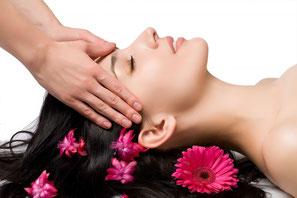 massage indien de la tête shioroabhyanga, massage cranien
