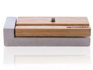iPhone dock in Eichenholz, Handyhalter in Holz und Beton, handmade