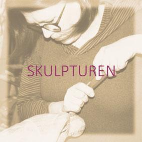 Löwenkopf Skulptur Fachwerk Inschriften Lampe