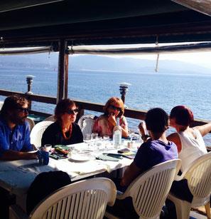 Le jury Corsica.Doc en délibération aux Sanguinaires
