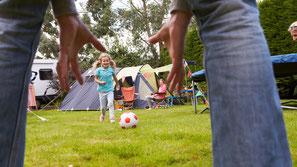 Familie beim Spielen Eptinger