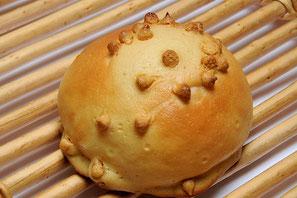 キャラメルパン 135円